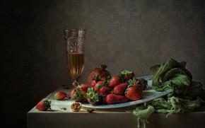 Picture berries, background, glass, strawberry, plate, still life, garnet, walnut