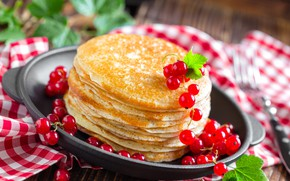 Picture berries, pancakes, currants