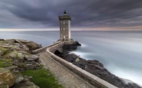 Picture sea, shore, lighthouse, Kermorvant