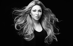 Picture black and white, singer, Irina Dubtsova