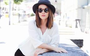 Picture face, model, hat, glasses, Delia