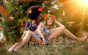 Picture leaves, joy, mood, two girls, wreath, smile, girlfriend