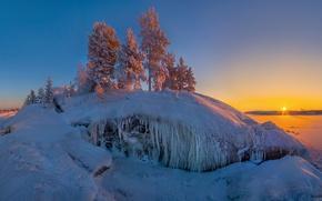 Picture the sun, snow, island, Lake Ladoga, Karelia