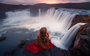 Picture girl, stones, waterfall, in red, Lizzy Gadd