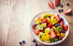Picture kiwi, blueberries, strawberry, plate, grapes, fruit, peach, salad, Mandarin