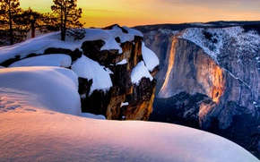 Picture snow, mountains, rocks, CA, USA, Yosemite National Park, Taft Point