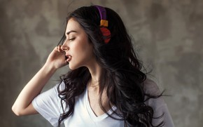 Picture girl, face, background, makeup, headphones, Mike, brunette, hairstyle, profile, Max Mazurkevich
