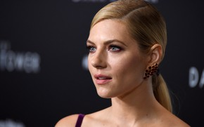 Picture girl, actress, blonde, premiere, the dark tower, the event, Katherine winnick, katheryn winnick