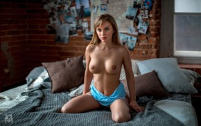 Wallpaper chest, look, girl, pose, model, pillow, makeup, figure, hairstyle, bed, brown hair, beauty, sitting, on ...