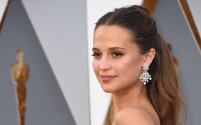 Picture earrings, actress, Sweden, the ceremony, Oscar, Alicia Vikander, Alicia Vikander