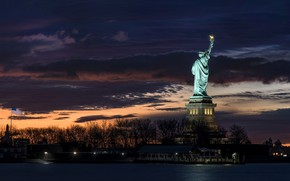 Picture night, flag, the statue of liberty