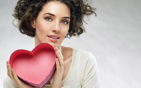 Wallpaper in white, makeup, hairstyle, Valentine's day, beauty, brown hair, heart, background, box, pose