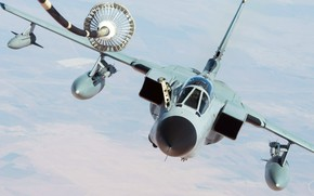 Picture air refueling, Panavia Tornado, combat jet, fighter-bomber, with variable sweep wing, The German air force