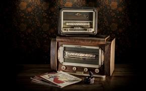 Picture radio, magazines, receivers