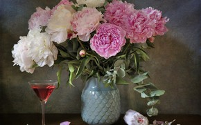 Picture glass, bouquet, peonies