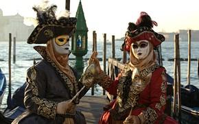 Picture pair, Venice, carnival, mask, gondola, costumes