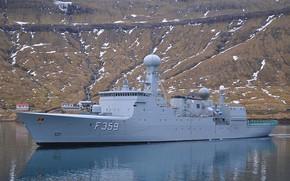 Picture frigate, Danish Navy, f359, vaadderen