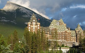 Picture light, trees, mountains, the city, the building, the evening, lighting, Canada, Albert, the hotel, Banff …