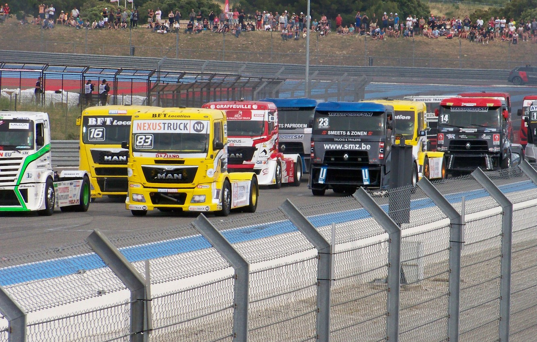 Photo wallpaper volvo, renault, man, truck, racing