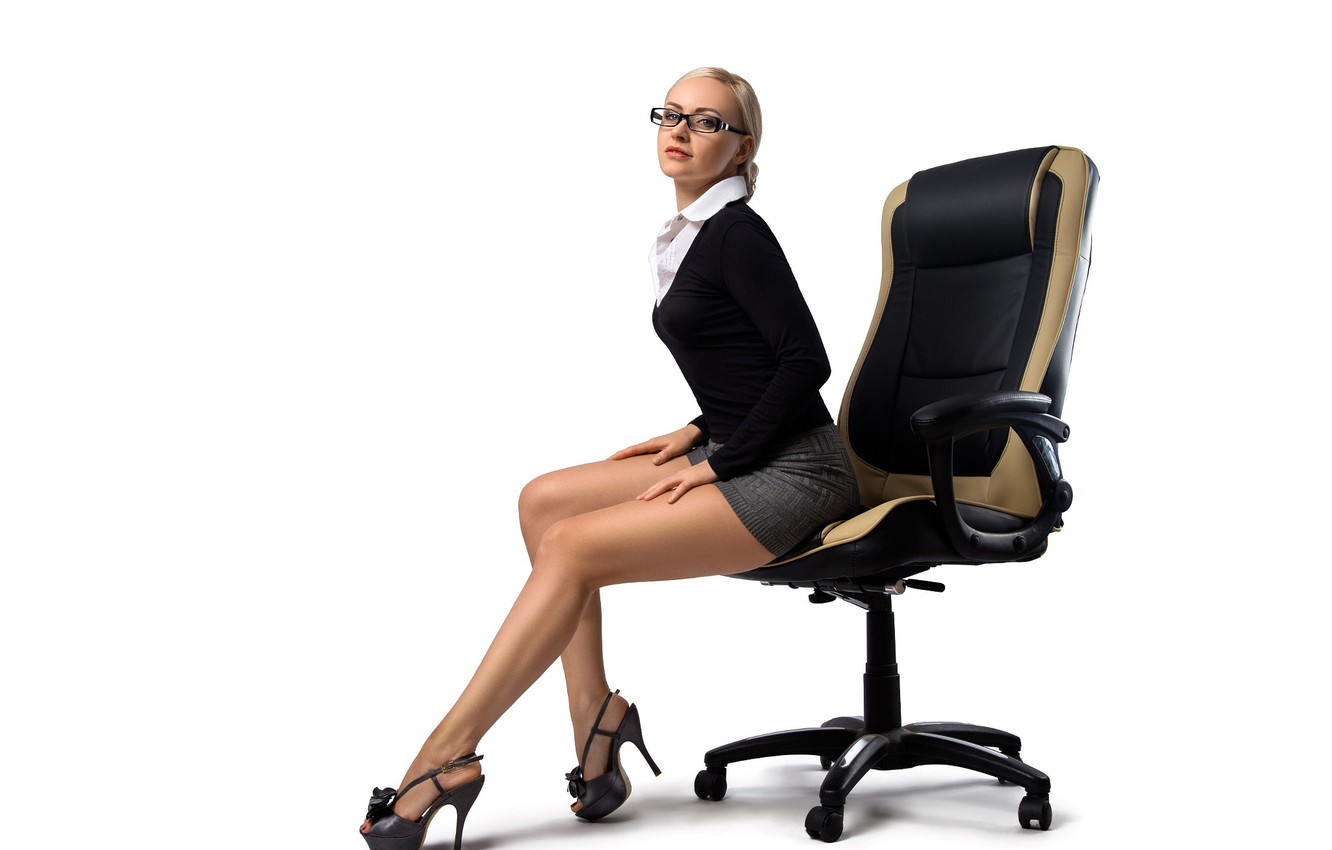 Photo wallpaper pose, skirt, chair, makeup, figure, glasses, hairstyle, blonde, shoes, white background, blouse, blouse, legs, sitting, …