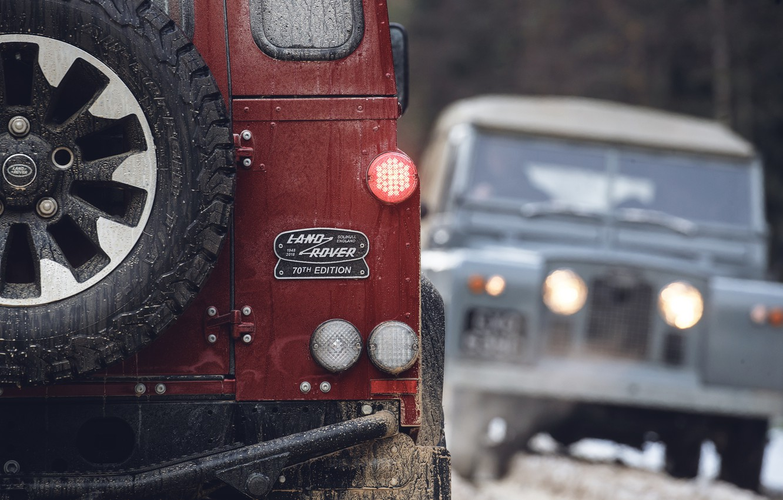 Photo wallpaper red, lights, SUV, Land Rover, 2018, Defender, feed, V8, Defender Works V8, jubilee spezzare