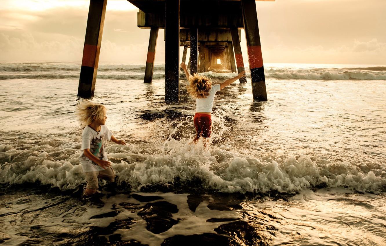 Photo wallpaper joy, children, surf, Samantha McBride