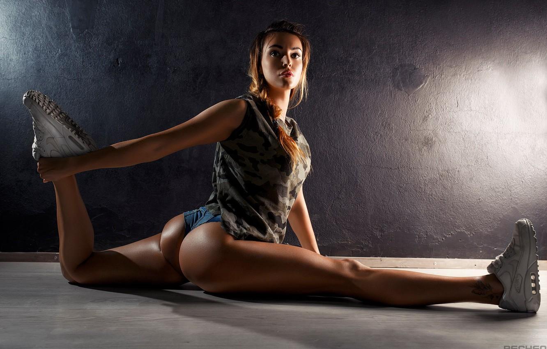 Photo wallpaper ass, girl, sport, legs, fitness, twine, sneakers, Ura Pechen, Olga Belova