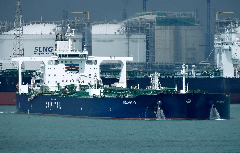 Photo wallpaper ship, port, terminal, a liquefied gas carrier