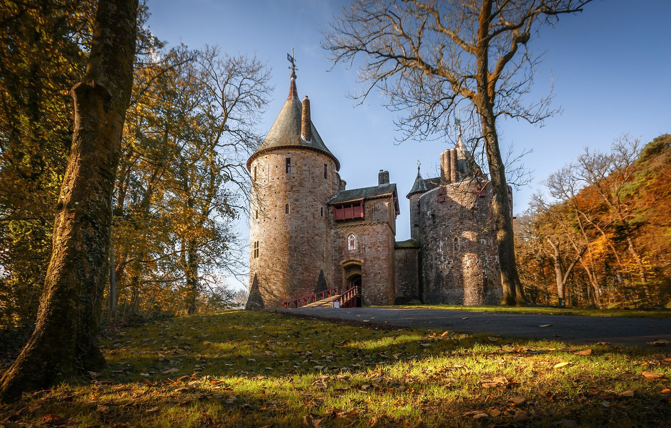 Photo wallpaper autumn, tower, Wales, Red castle