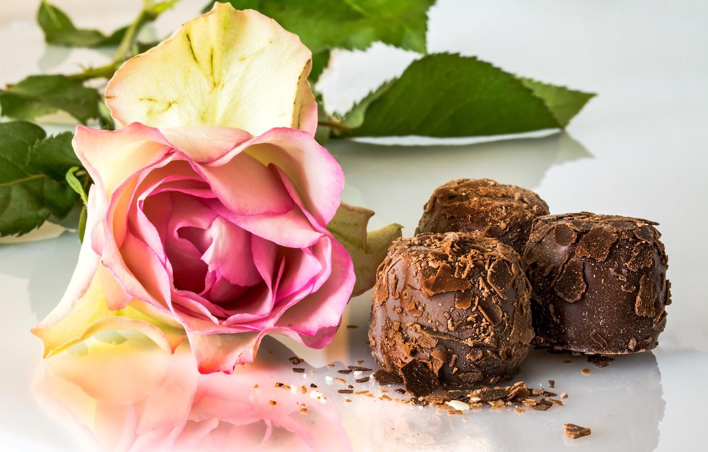 Photo wallpaper rose, chocolate, chocolates