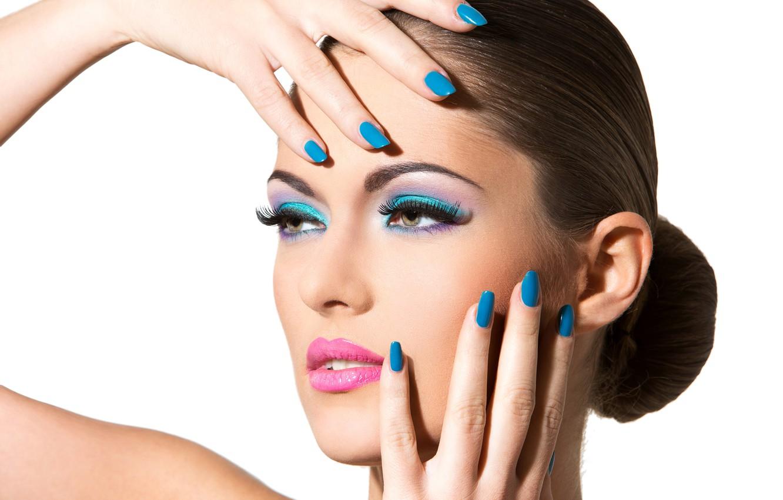 Photo wallpaper brunette, nails, make up