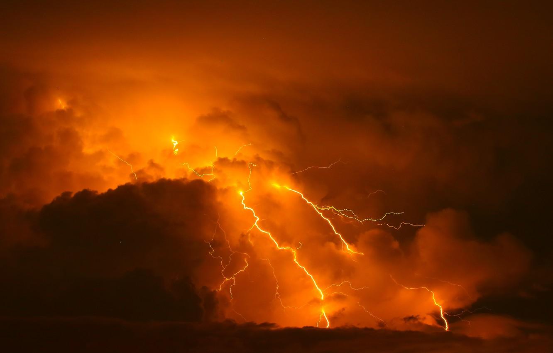 groza molniia oblaka stikhiia