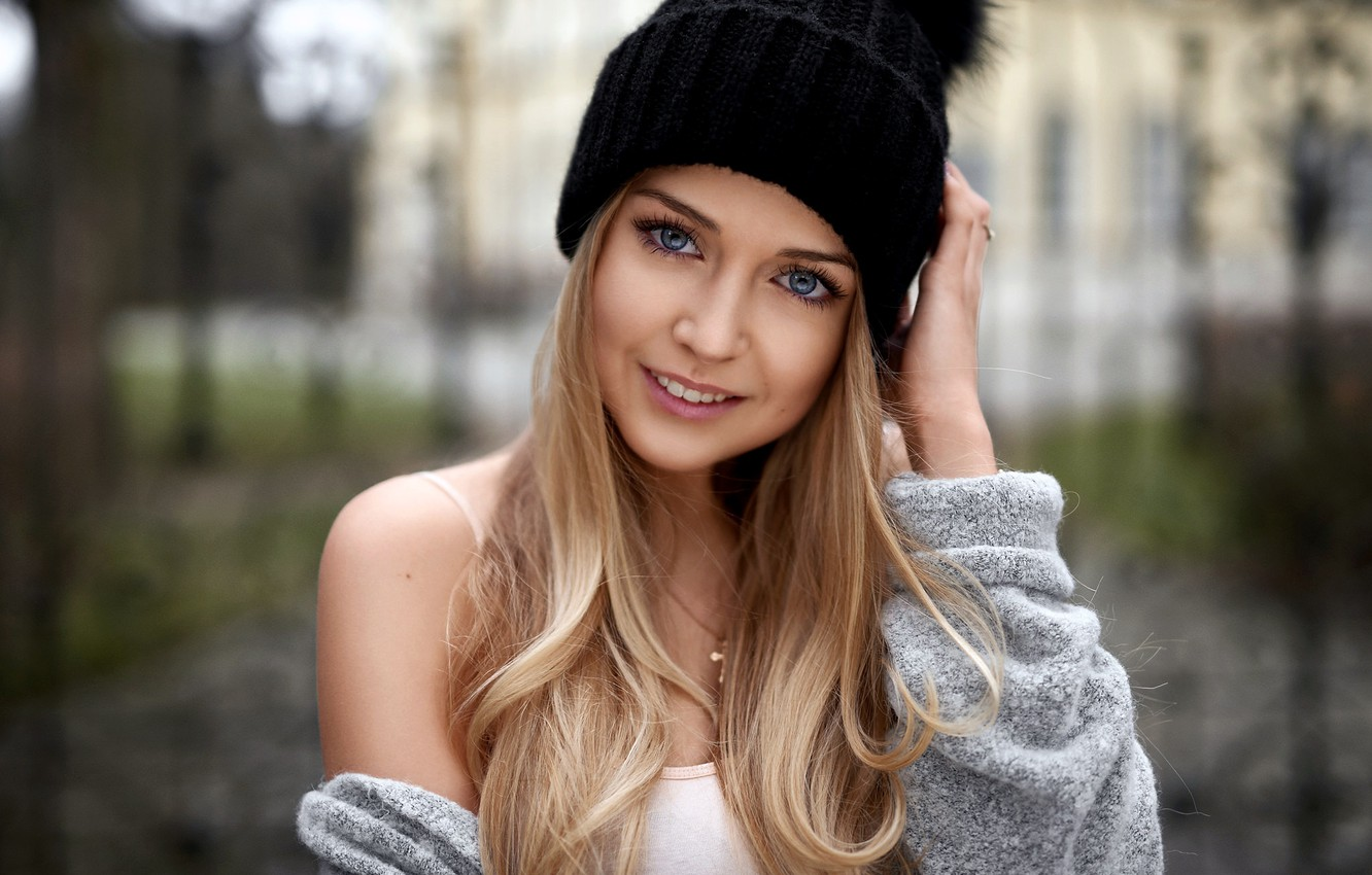 Photo wallpaper girl, long hair, photo, photographer, blue eyes, model, bokeh, lips, face, blonde, smiling, portrait, hood, …