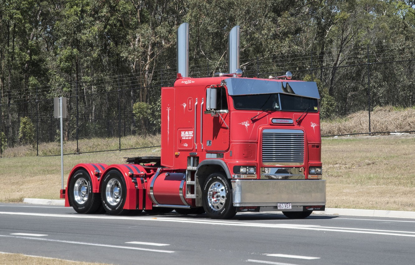 Photo wallpaper Red, road, Freightliner, Hrome