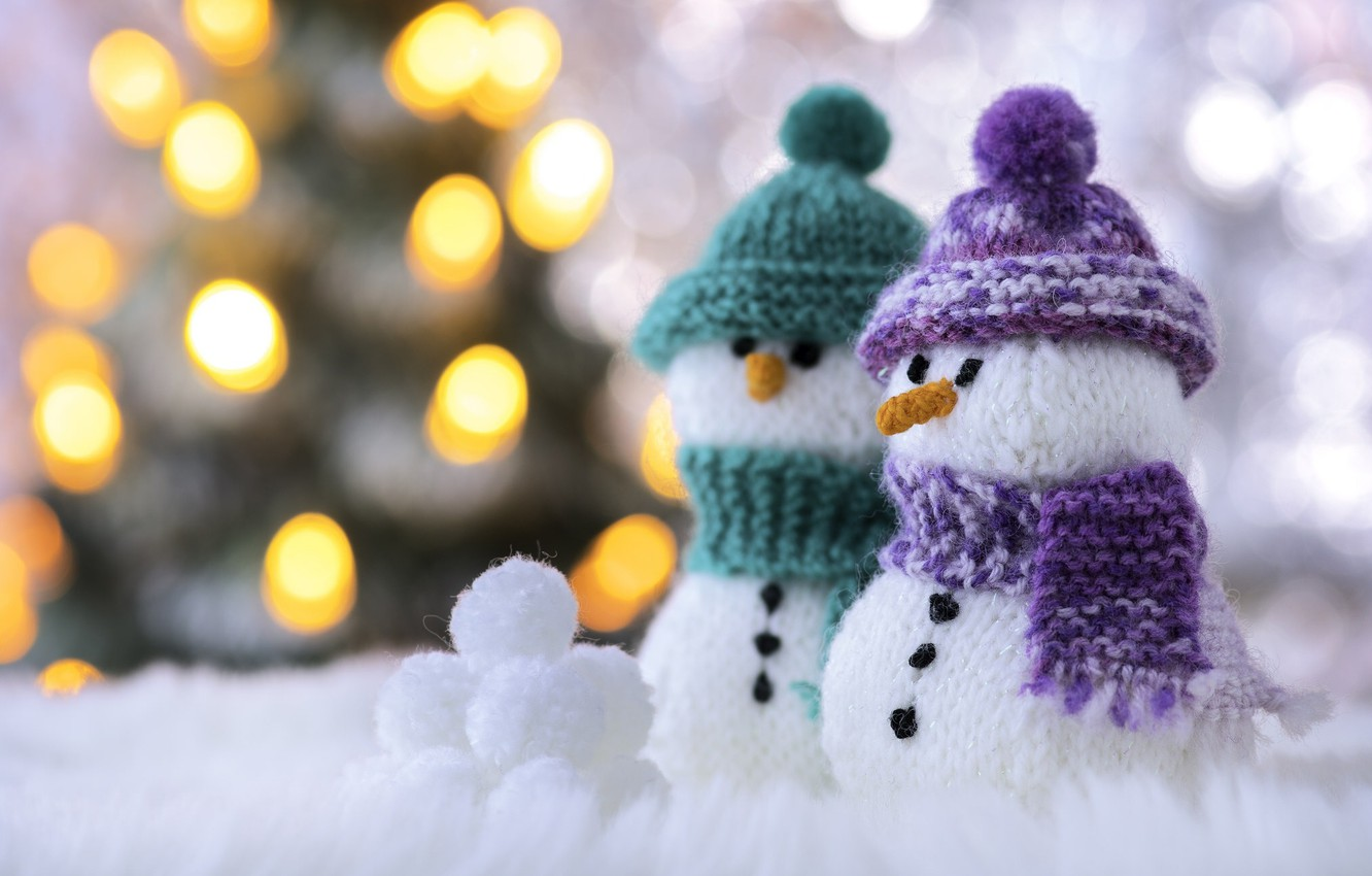Photo wallpaper macro, scarf, snowmen, cap, bokeh, snowballs