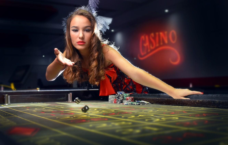 Photo wallpaper girl, chips, bones, the excitement, casino, throw