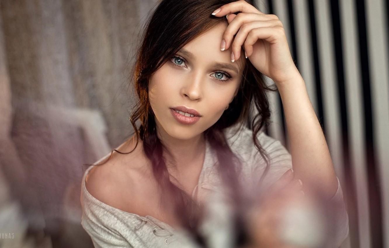 Photo wallpaper Girl, Photo, Look, Model, Lips, Girl, Hair, Braids, Eyes, Brunette, Brunette, Model, Beauty, Eyes, Photo, …