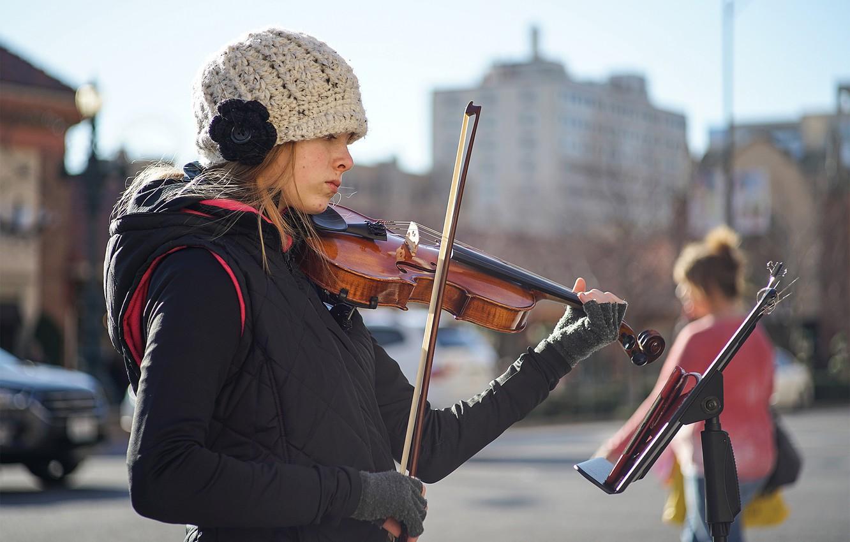 Photo wallpaper girl, face, music, street, violin