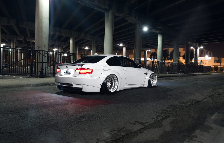 Photo wallpaper BMW, E92, Rear, Liberty, Walk