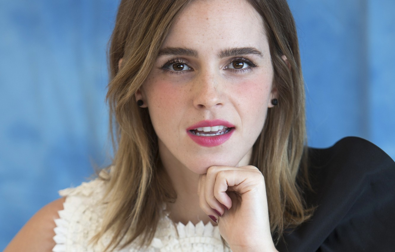 Wallpaper Emma Watson Emma Watson Beauty And The Beast At