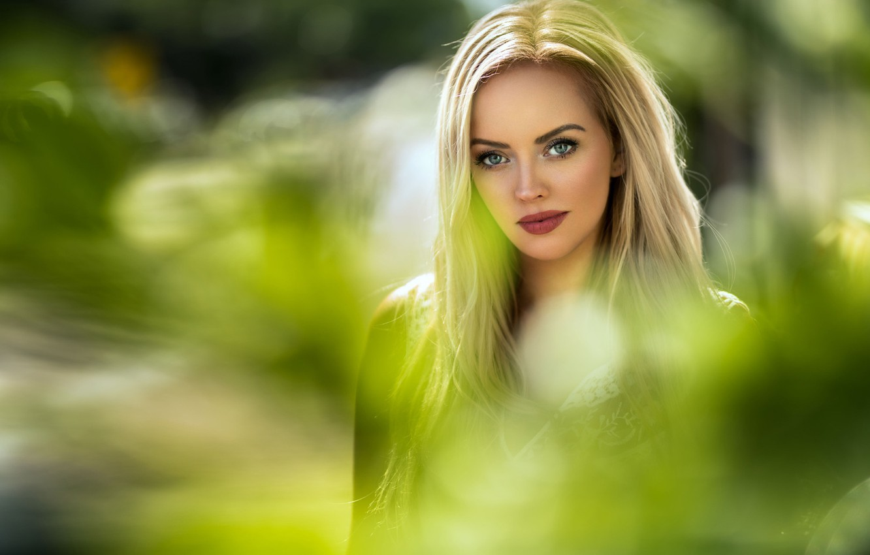 Photo wallpaper greens, look, the sun, background, portrait, makeup, hairstyle, blonde, beautiful, bokeh, Marion, Maarten Quaadvliet