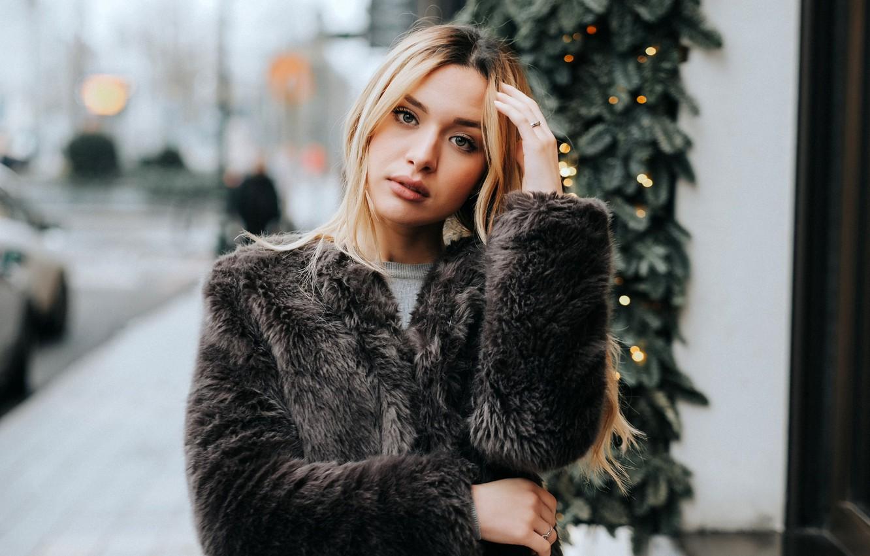 Photo wallpaper lights, pose, glare, street, model, portrait, makeup, hairstyle, blonde, coat, beauty, bokeh, Kenza, Márcio Miranda