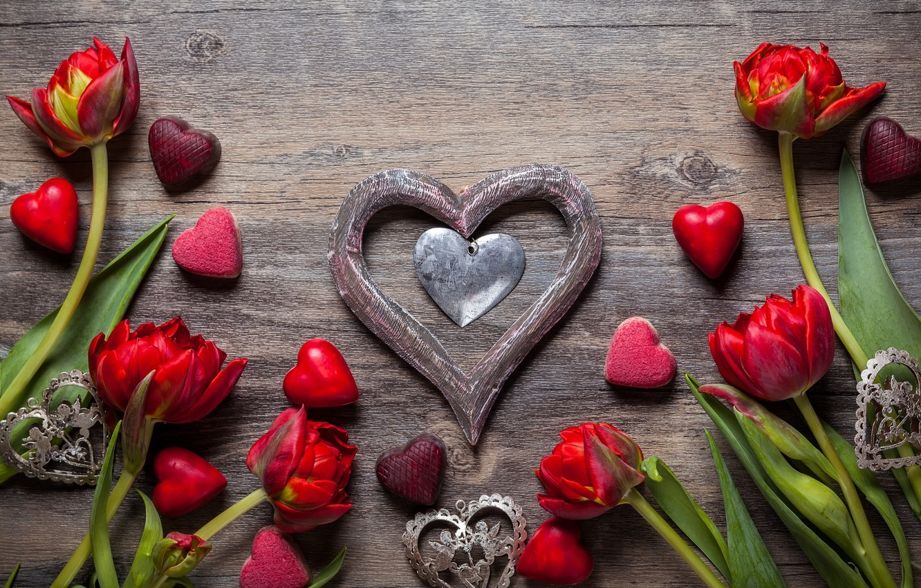 Photo wallpaper love, flowers, gift, chocolate, candy, hearts, tulips, sweets, red, love, wood, flowers, romantic, hearts, tulips, …