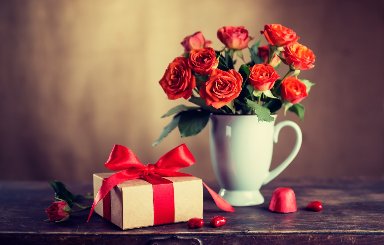 Photo wallpaper love, flowers, gift, roses, bouquet, red, red, love, wood, flowers, romantic, Valentine's Day, gift, roses