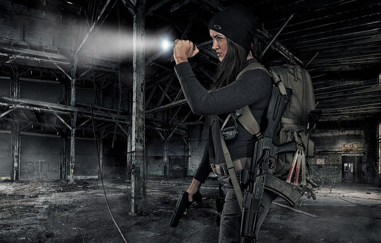 Photo wallpaper girl, face, weapons, ray, machine, flashlight, the ruins, satchel