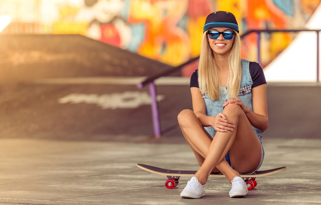 Photo wallpaper pose, smile, wall, mood, graffiti, shorts, sneakers, glasses, hairstyle, blonde, cap, Board, skate, Playground, bokeh, …