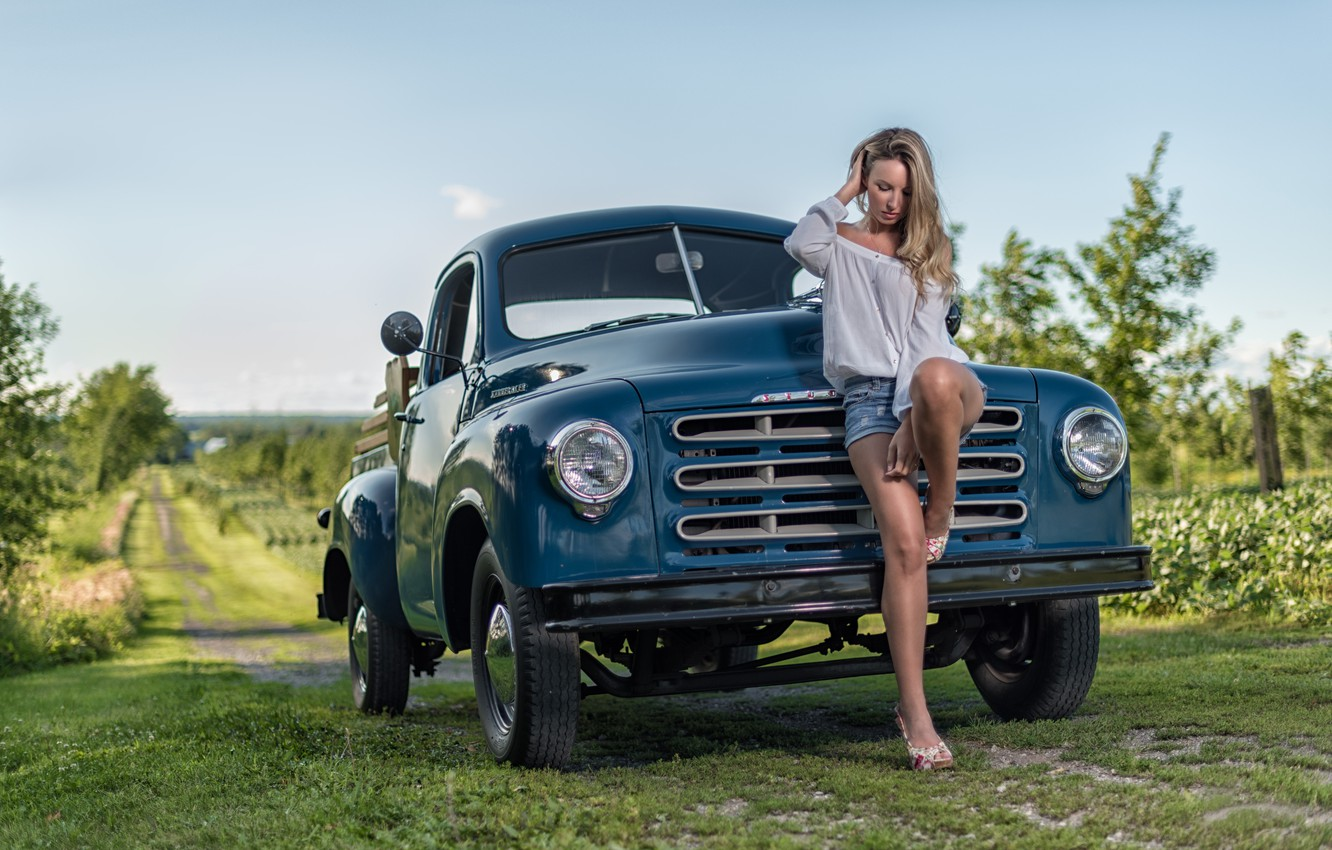 Photo wallpaper machine, girl, pose, shorts, truck, Studebaker