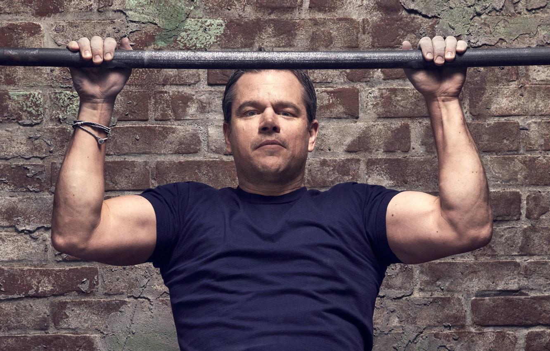 Photo wallpaper wall, brick, hands, t-shirt, actor, Matt Damon, photoshoot, Matt Damon, the crossbar, for the film, …