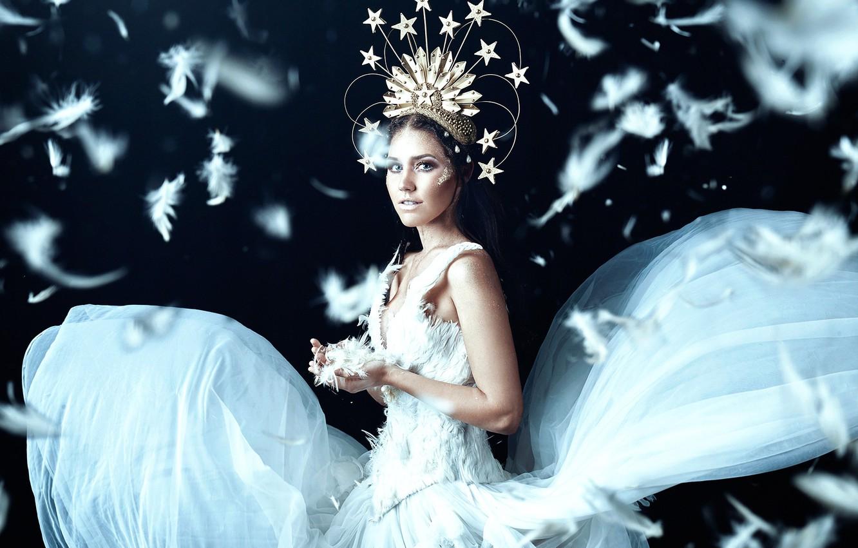 Photo wallpaper girl, feathers, dress, Odette, Bella Kotak