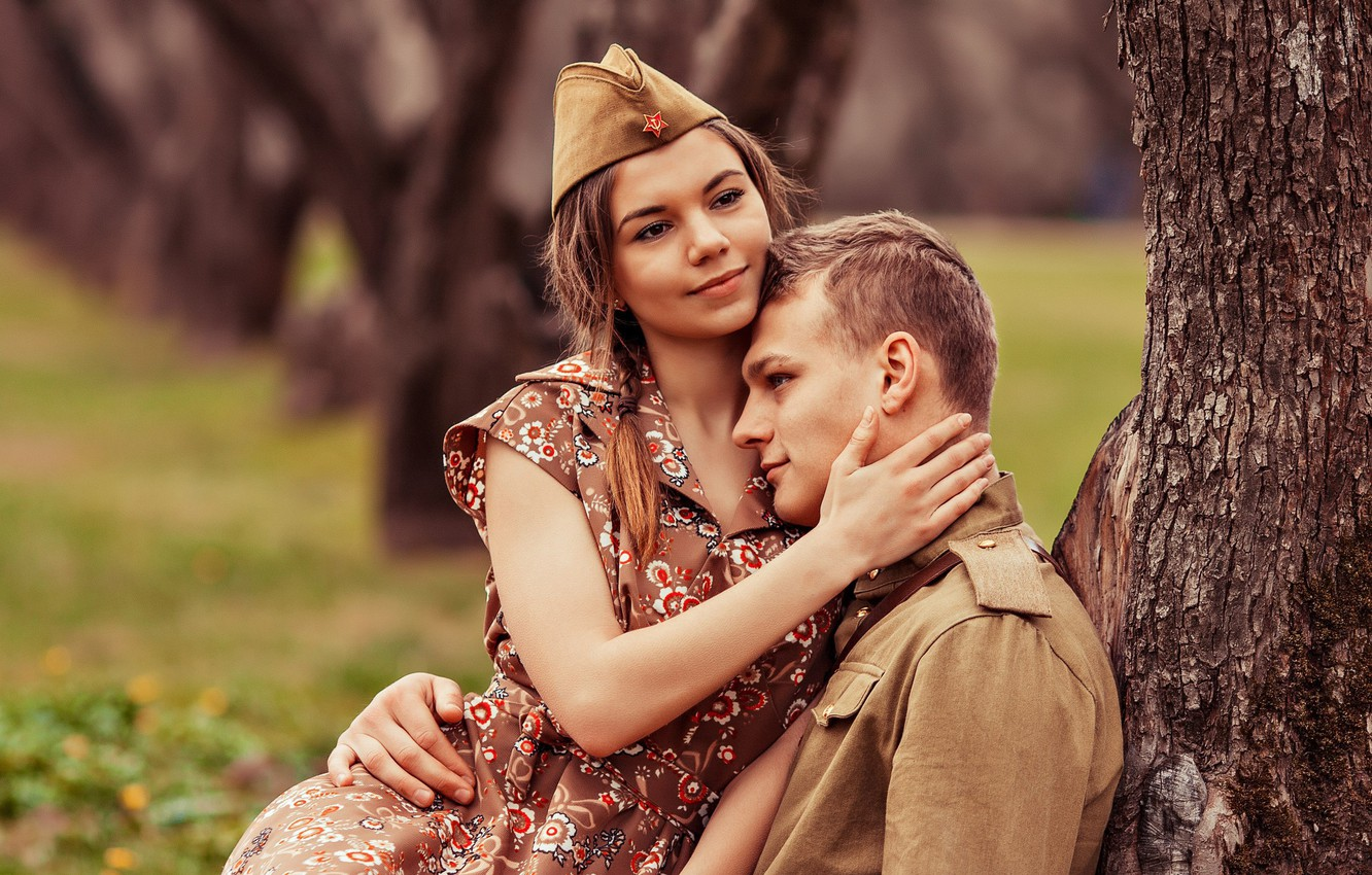 Photo wallpaper girl, retro, meeting, soldiers, May 9, guy, pussy, Victory Day, tunic